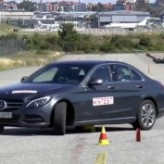 """Гибридный Mercedes-Benz C350e провалил """"лосиный тест"""": видео"""